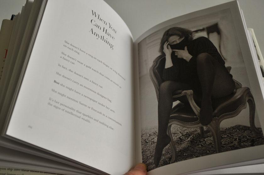Knjiga Kako biti Parizanka kjerkoli si (1)