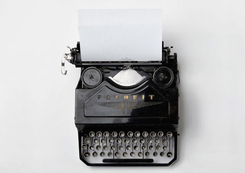 pisalni-stroj-unsplash-florian-klauer-small